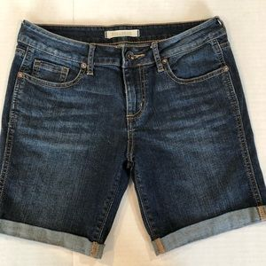 Bullhead Shorts, size 5. Excellent condition. T82